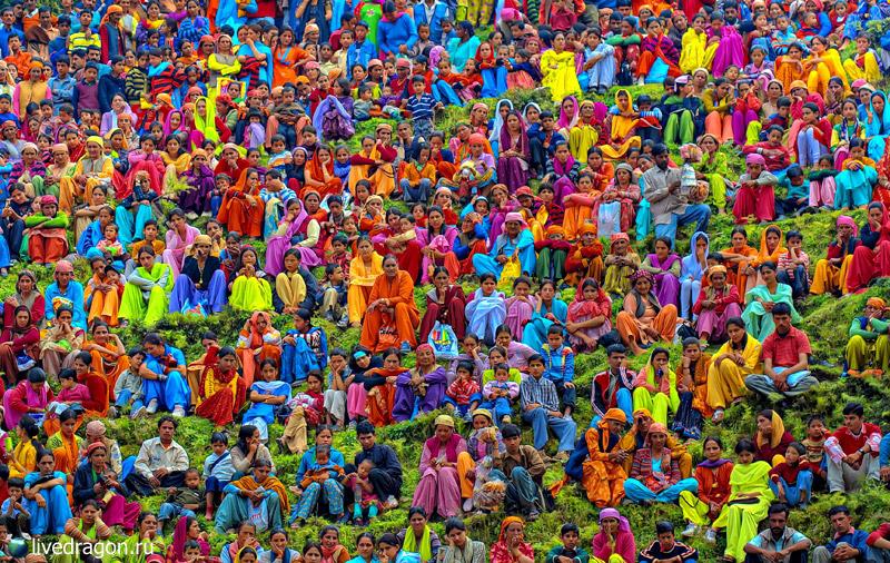 1288223756_holi-festival-of-colours-india-01