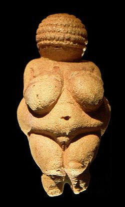 250px-Venus_of_Willendorf_frontview_retouched_2