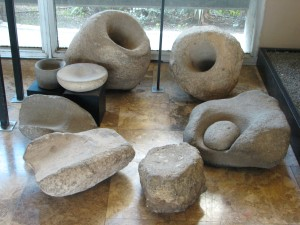 dagon_museum-_mortars_from_natufian_culture-_grinding_stones_from_neolithic_pre-pottery_phase