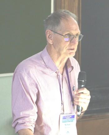 Джеймс Мэллори во время доклада на конференции «Centenary of Human Population Genetics», Москва, 2019. Фото А.Шкиперова