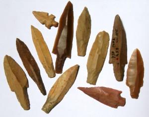 yiftahel_pre-pottery_neolithic_b_flint_arrowheads