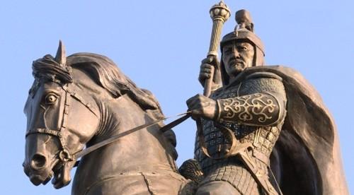 Жалантос Бахадур - потомок Алау, полководец, эмир Самарканда (памятник в Актобе). источник: https://aktobetv.kz/ru/news/society/otkrytie-pamyatnika-zhalantosu-bahaduru