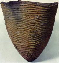 Глиняный сосуд эпохи дзёмон. Фото с сайта http://www.geor.ru/webc/aj008c/ipage_1.htm