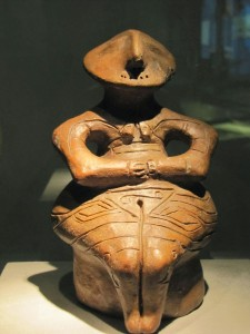 vinca-figurine